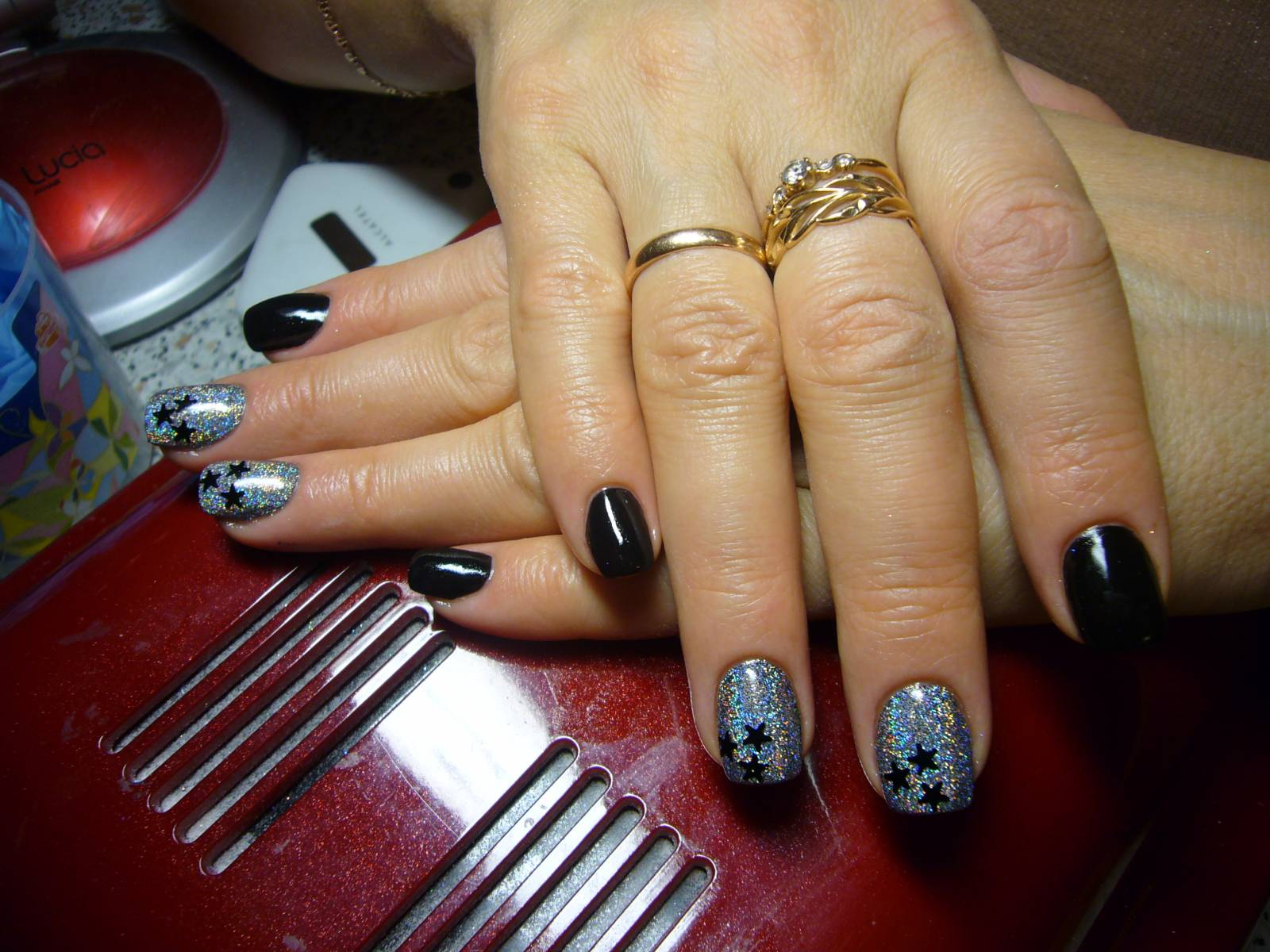 Серебряный дизайн ногтей