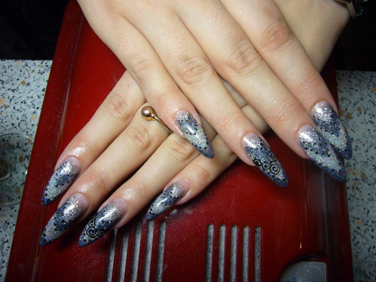 Наращивание ногтей с серебром фото
